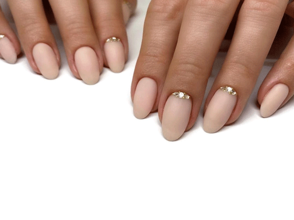 gold-nail-art-sashaniegraynails