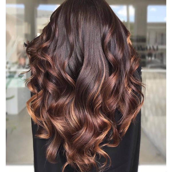 fall 2021 hair color trends copper highlights red