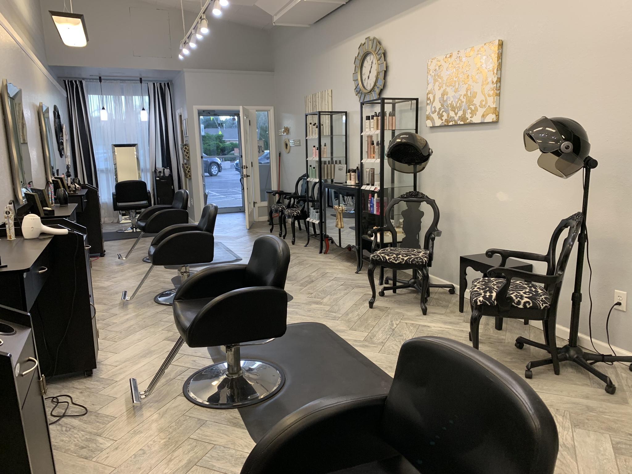 Hair stylist & Nail techs