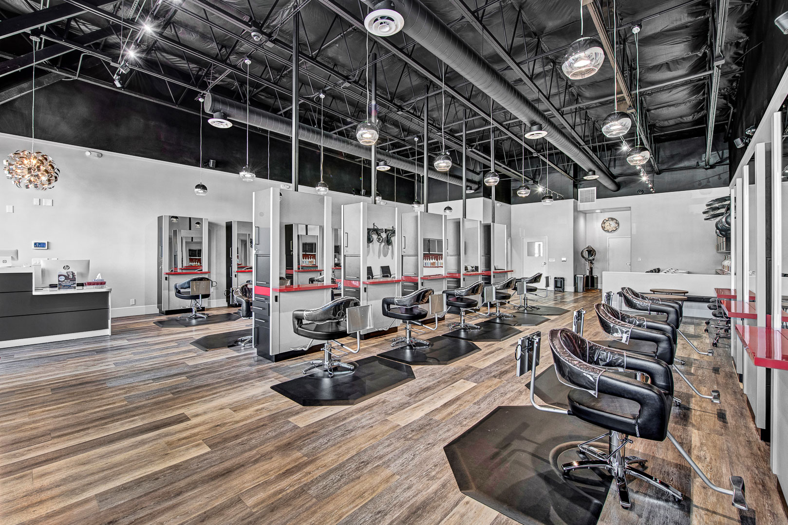 Stylists or Barber Rental in Newly Renovated Modern Salon