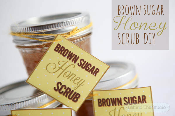 Brown sugar honey scrub DIY with Don Victor honey PLUS a printable - #HoneyForHolidays #DonVictor #Cbias #ad