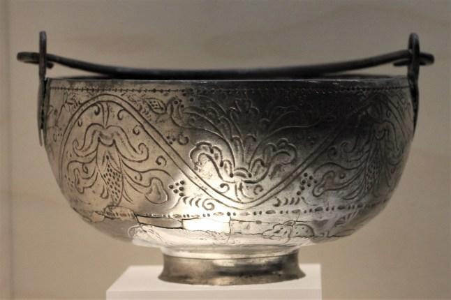 Archeologisch museum Velzeke - binnen - collectie - 013 zilverschat 2