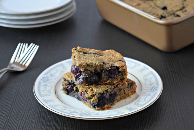 Blueberry Cake | This gluten free and vegan cake recipe is a delicious and healthy choice for breakfast!