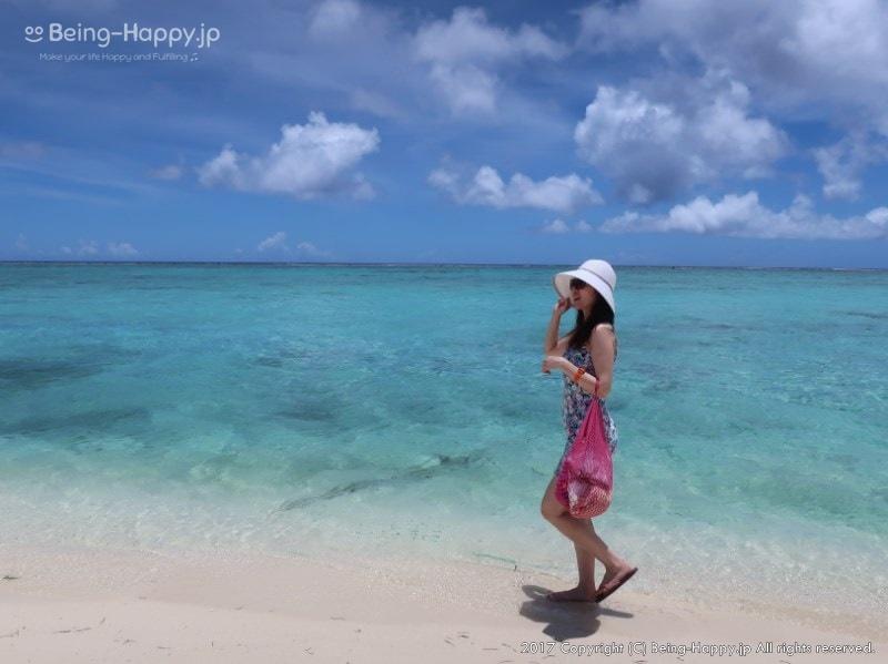 サイパンの海を楽しむ友人