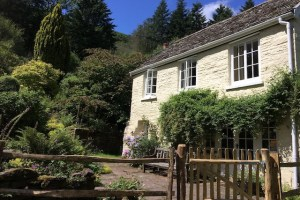 Graig Ddu, Llanthony a business retreat and cottage in the forest