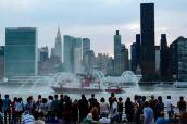 East River, FDNY Fireboat.