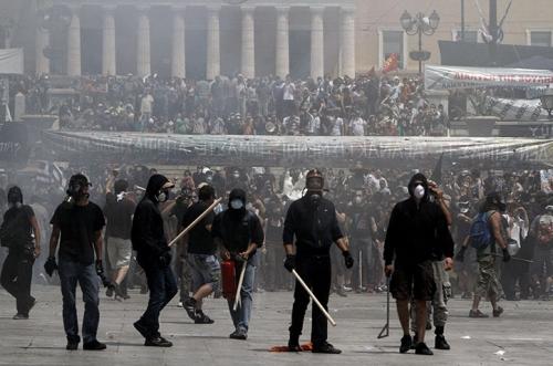 j28-greece-protests-crop-16