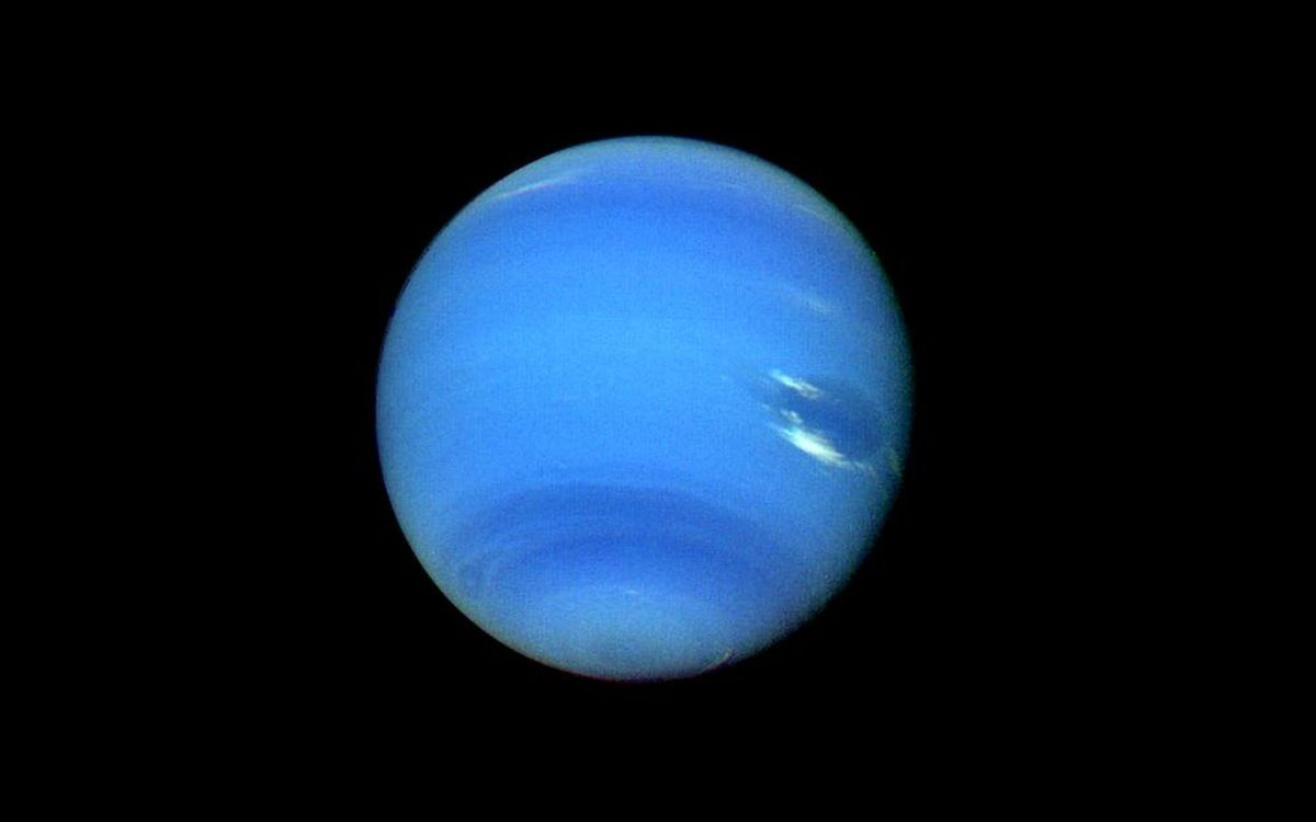 can neptune be seen at night without a telescope