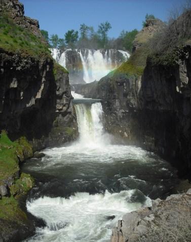 White River Falls. Photo by Tim Graves