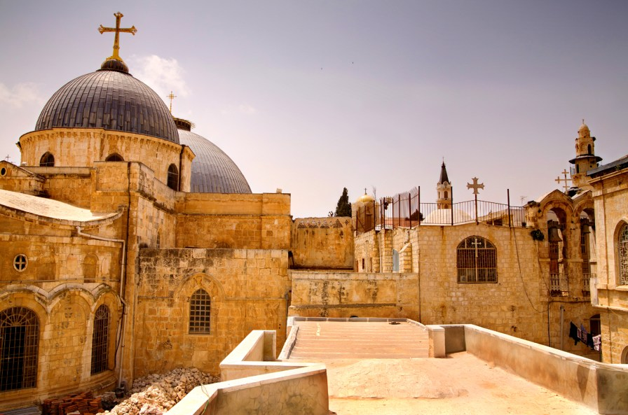 Domes_of_the_Church_of_the_Holy_Sepulchre