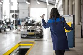 Covid-19: 'Stands' automóveis encerram sábado e inspeção de veículos só por marcação