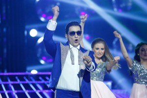 MBC4 & MBC MASR- Your Face Sounds Familiar- Wael Mansour impersonating PSY (2)