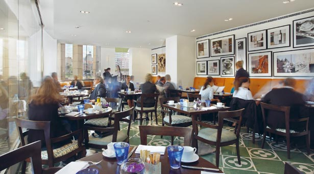 Gordon's Café: Downtown's Relaxing Haven