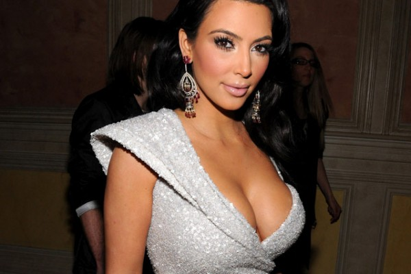 Kim Kardashian Answers Back to Ricky Gervais' Rude Jokes
