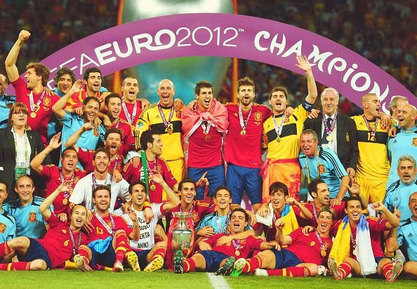 Spain win the Euro 2012