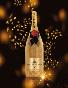 Unforgettable Christmas With MOËT & CHANDON Diamond Collection