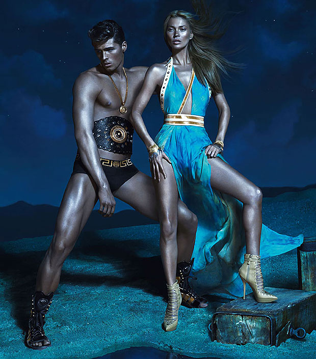 Kate Moss gets Tango'd for Versace