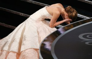 Jennifer Lawrence takes a tumble in the Oscars