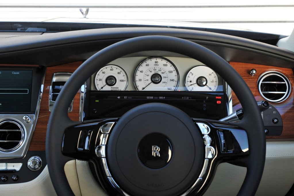 2014 ROLLS-ROYCE GHOST: SUBTLE ENHANCEMENTS ENSURE UNPARALLELED RIDING AND DRIVING EXPERIENCE