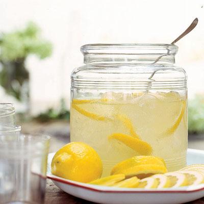 COOL DRINKS FOR HOT SUMMER DAYS – Lemonade