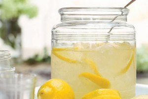 COOL DRINKS FOR HOT SUMMER DAYS – Lemonade