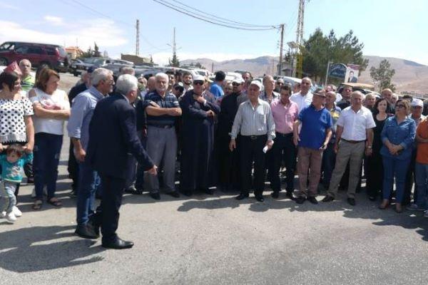 إعتصام لأهالي رأس بعلبك والقاع احتجاجا على التسيب على الطرقات