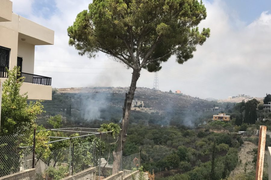 (بالصور) حريق في خراج مجدلونا الشوف يهدد المنازل والارزاق والاهالي يناشدون
