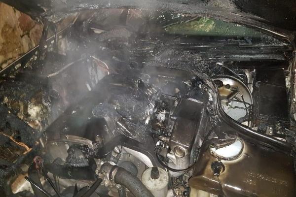 حريق داخل سيارة في المريجات!