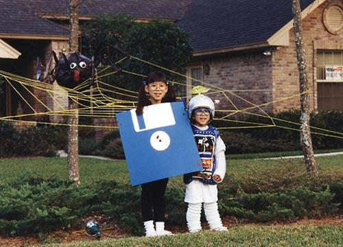 floppy-disk-costume.jpg