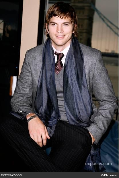 ashton-kutcher-ashton-kucther-promoting-the-guardian-attends-a-rescue-on-the-river-thames-15iirz.jpg