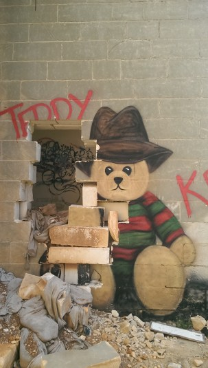 teddy street art urban lost places