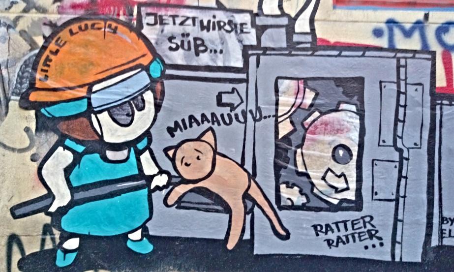 Little Lucy udn Katze Ratter ratter  #streetart #berlin be kitschig blog