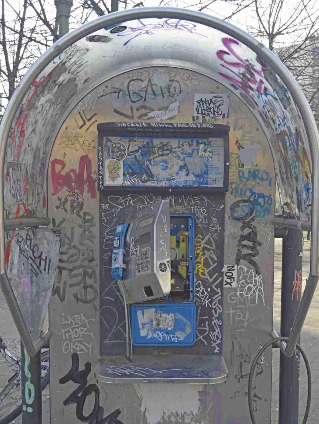 #streetart #berlin be kitschig obey Kreuzberg