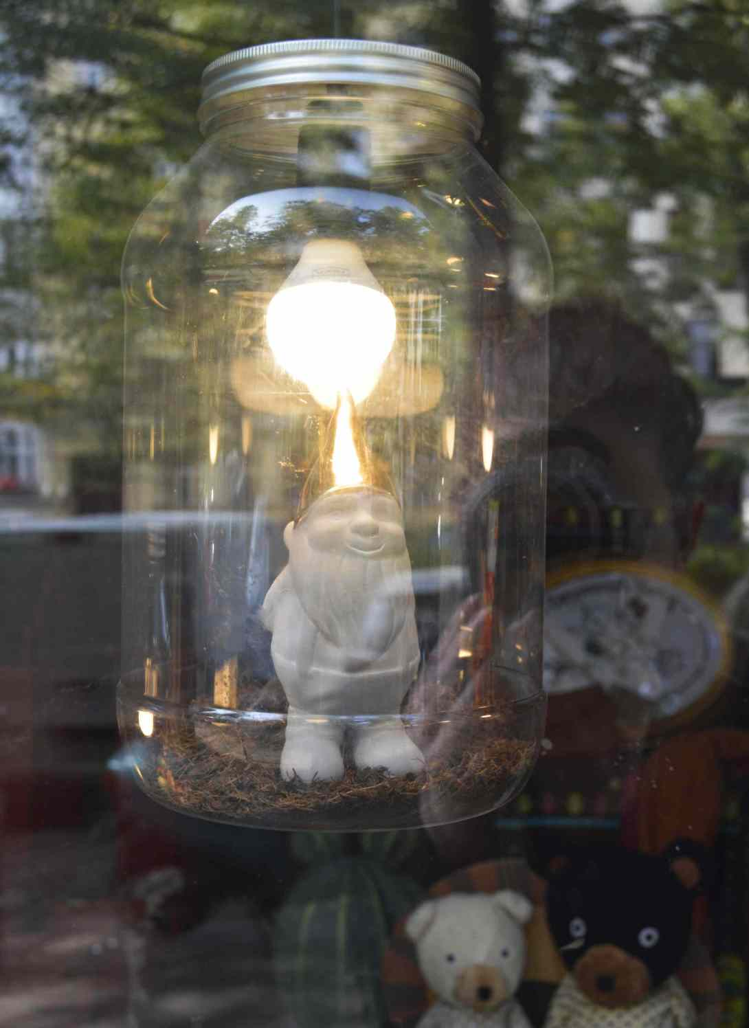 self portrait with garden gnome lamp berlin be kitschig blog