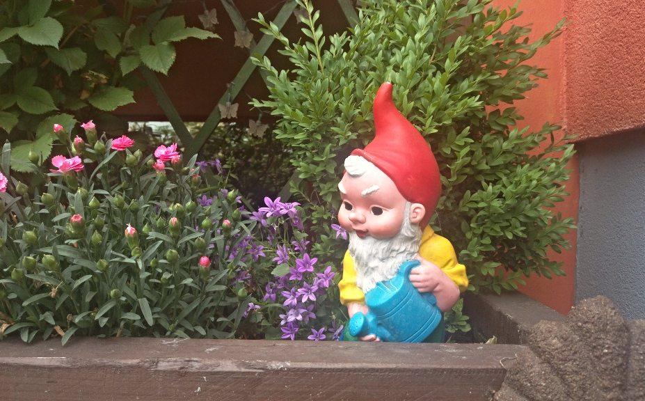 Be kitschig blog gartenzwerg garden gnome kitsch