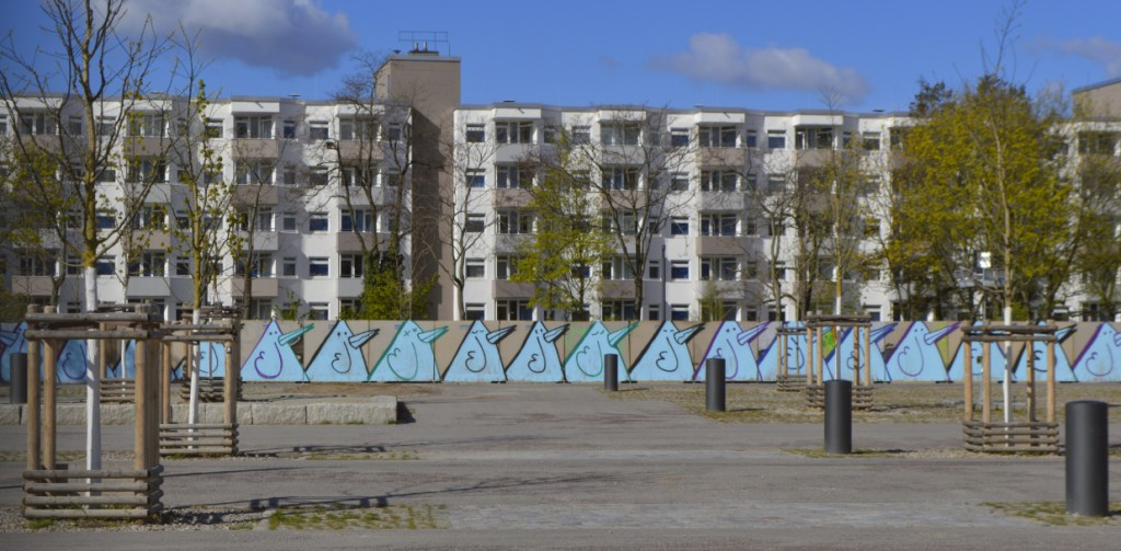 Bird graffiti the future 2nd part of Mauerpark development #streetart Berlin be kitschig blog