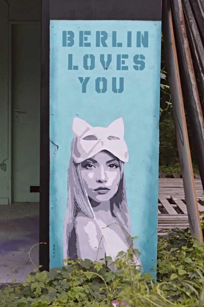 Liz Art Berlin Loves You Stencil Teufelsberg