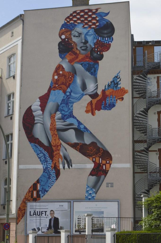 Postcards from Berlin Tristan Eaton streetart  be kitschig blog  Murals in Berlin street art Wandbild