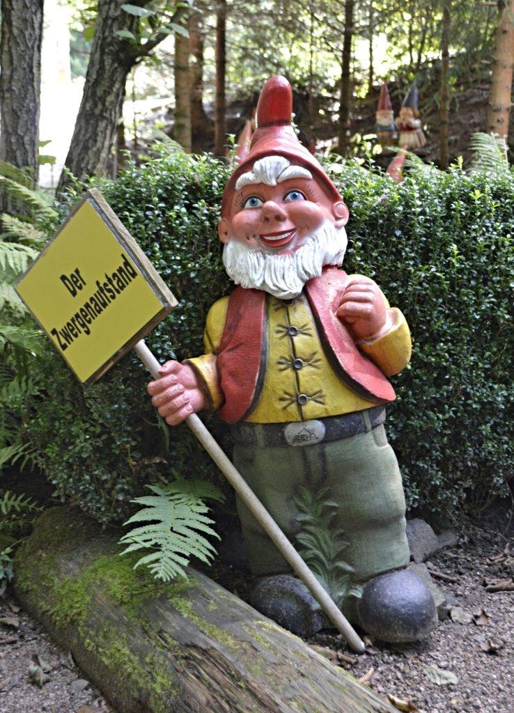 Garden Gnome Park Trusetal Thuringia travel kitschy bekitschig.blog Zwergen Aufstand