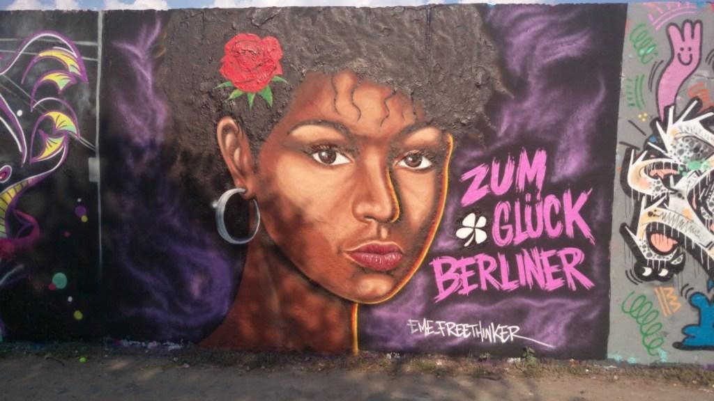 street art Berlin Mauerpark Zum Glück Berliner Eme Freeethinker bekitschig blog