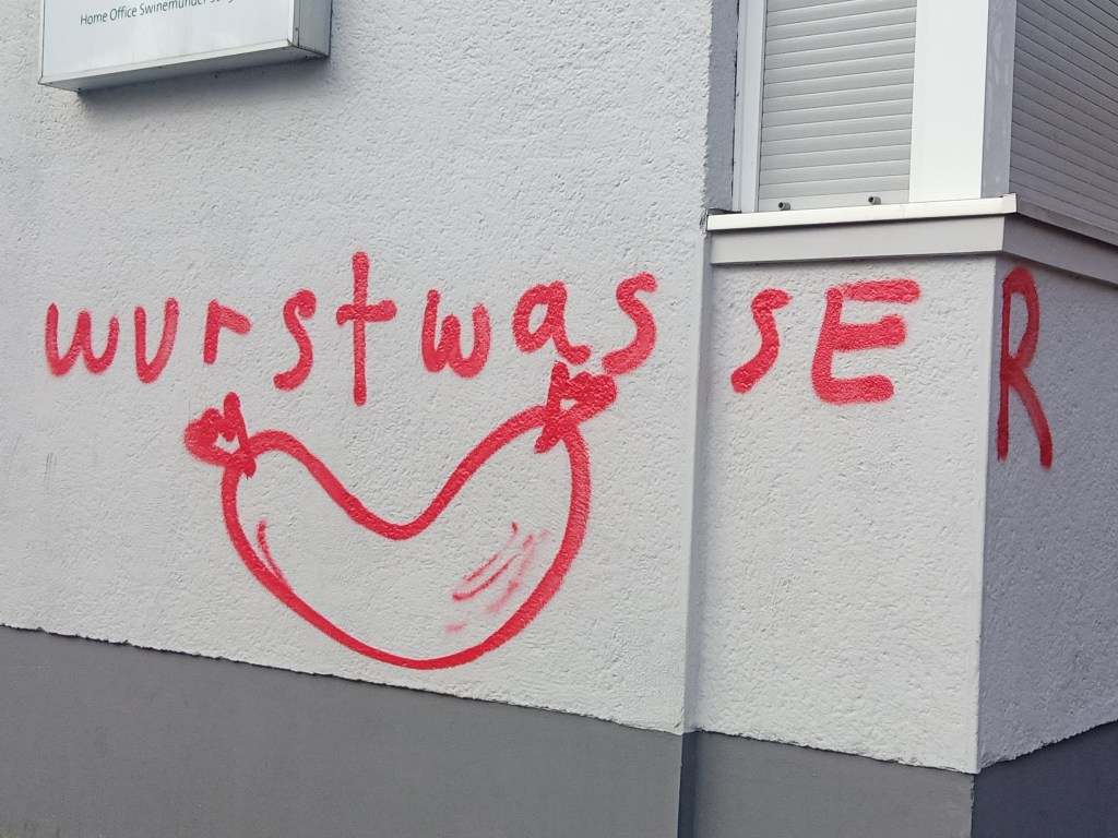 Wurstwasser Graffiti Berlin Wedding  Hot Dog Water  bekitschig blog