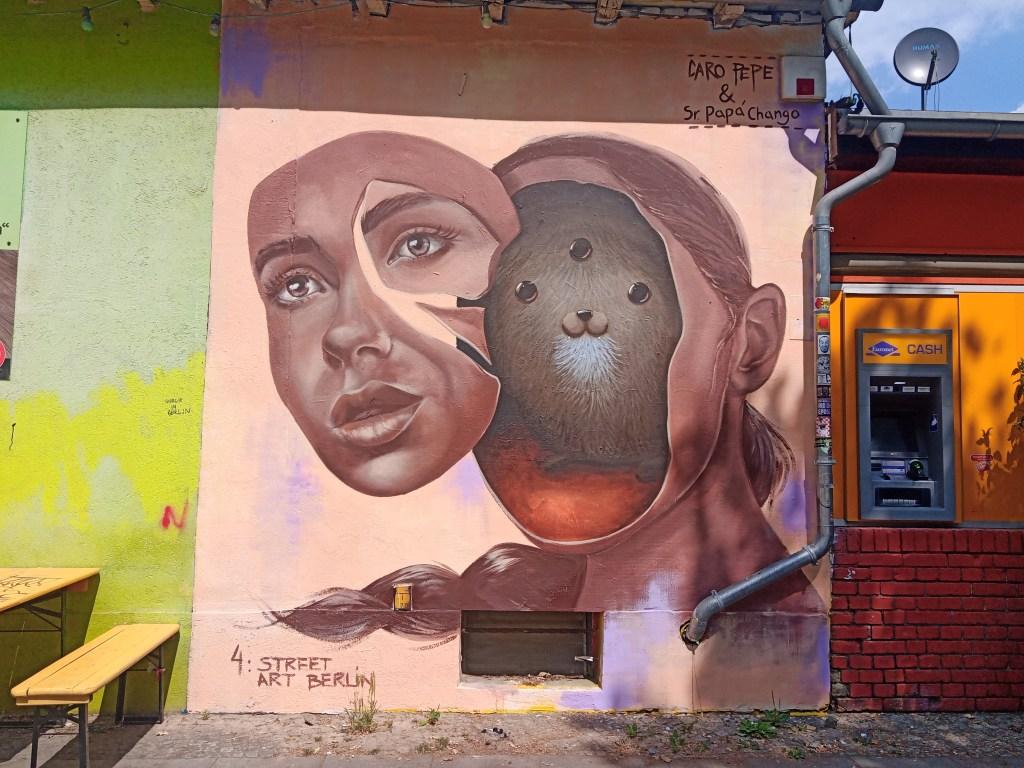 Caro Pepe and Papa Chango - Mauerpark - mural - streetart postcards bekitschig.blog