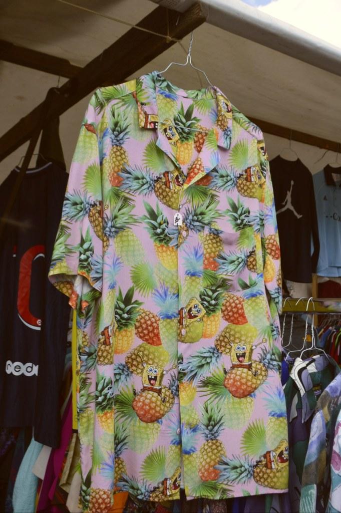 Sponge Bob Shirt with pinapples   bekitschig.blog  Berlin Mauerpark