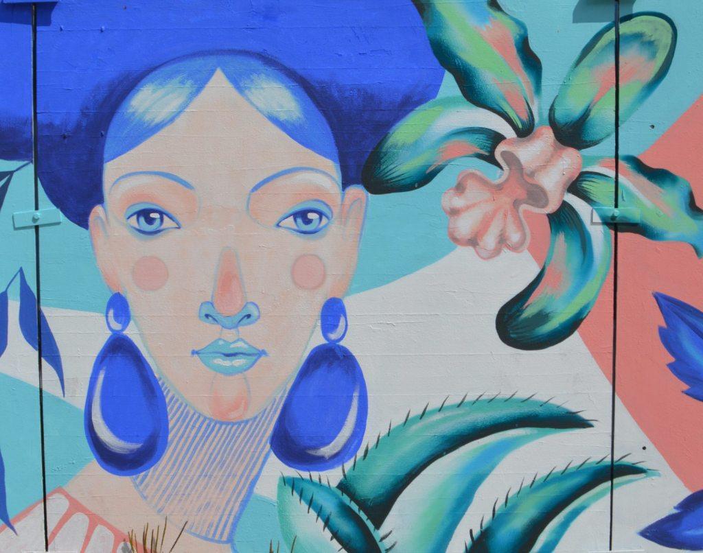 In Bloom by Kiki and Rommy - Berlin Alexanderplatz street art mural construction site - bekitschig.blog