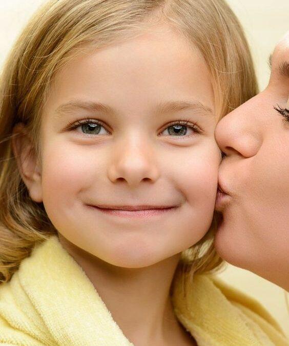 Maria Montessori: Ascultă părerile copilului şi răspunde-i