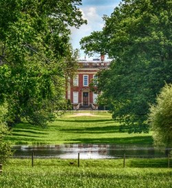 The beautiful setting of Cottesbrooke Hall, a charming country house in Northamp