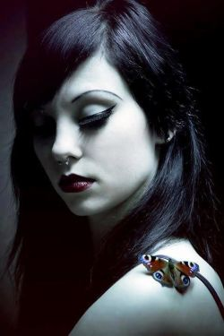 † Gothic Beauty †