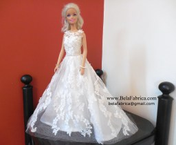 Miniature replica of CWG658 Oleg Cassini by BelaFabrica Front View