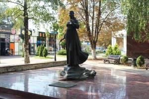 памятник-толкуновой