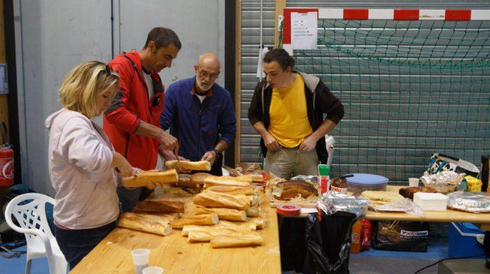 Buvette : fabrication des sandwichs
